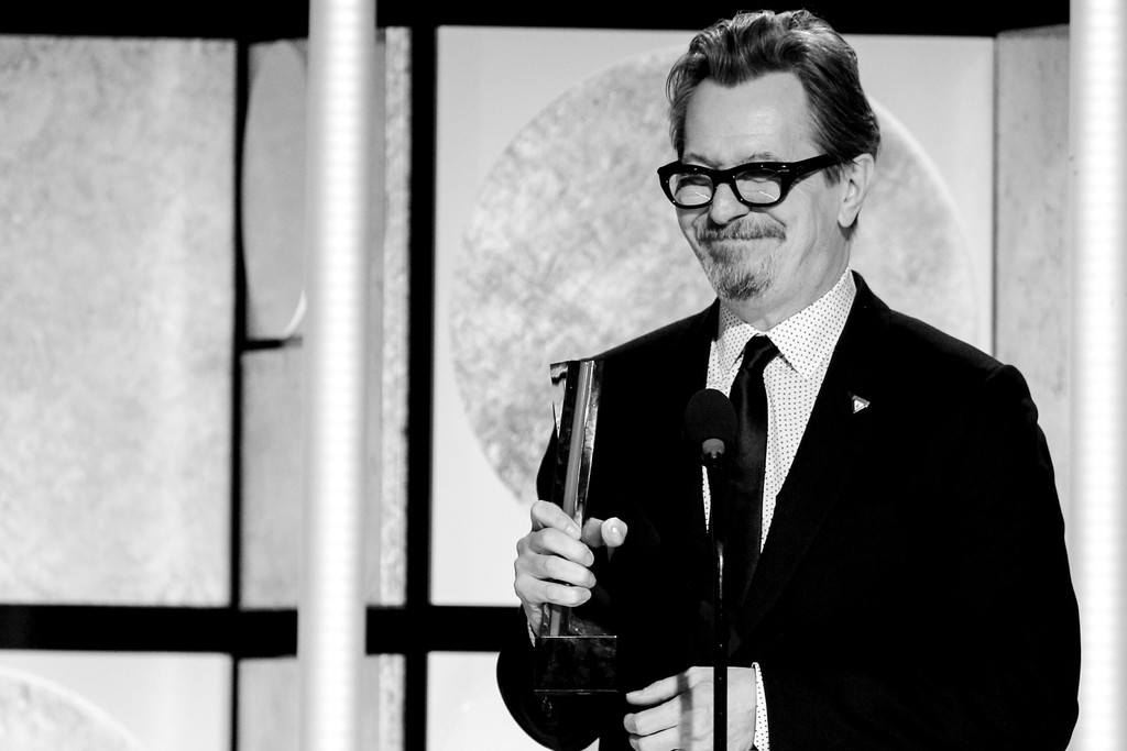 http://www1.pictures.zimbio.com/gi/Gary+Oldman+AARP+17th+Annual+Movies+Grownups+724FIb8MTHPx.jpg
