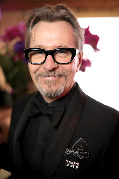 http://www1.pictures.zimbio.com/gi/Gary+Oldman+Official+Viewing+After+Party+Golden+7ssEN5yMzCil.jpg