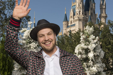 Gavin Degraw 2016 Disney/ABC Television Group Holiday Specials at Disney Parks
