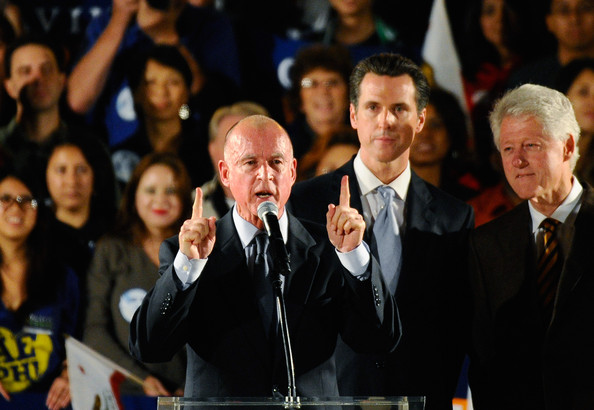 Bill Clinton Campaigns For Jerry Brown []