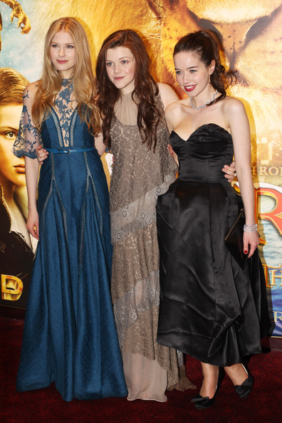 georgie henley and anna popplewell. Georgie Henley and Laura Brent