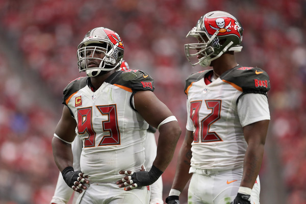 http://www1.pictures.zimbio.com/gi/Gerald+McCoy+Tampa+Bay+Buccaneers+v+Arizona+-mDfTXX60fcl.jpg