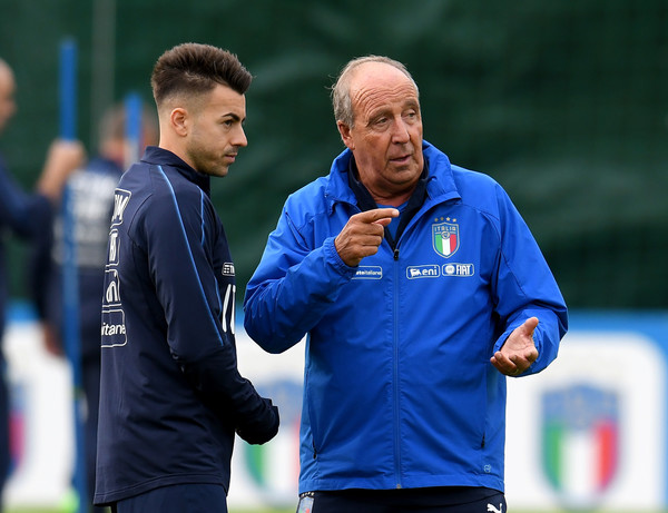 Italy Training Session [coach,player,team sport,sports,manager,gesture,italy gian piero ventura,stephan el shaarawy,r,chat,italy,training ground,florence,club,italy training session,training session]