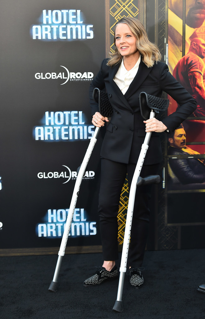 http://www1.pictures.zimbio.com/gi/Global+Road+Entertainment+Hotel+Artemis+Premiere+pStqxSjBHwex.jpg