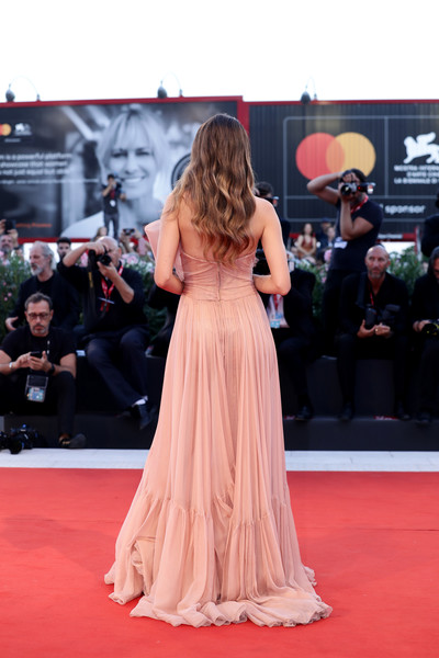 'Gloria Mundi' Red Carpet Arrivals - The 76th Venice Film Festival