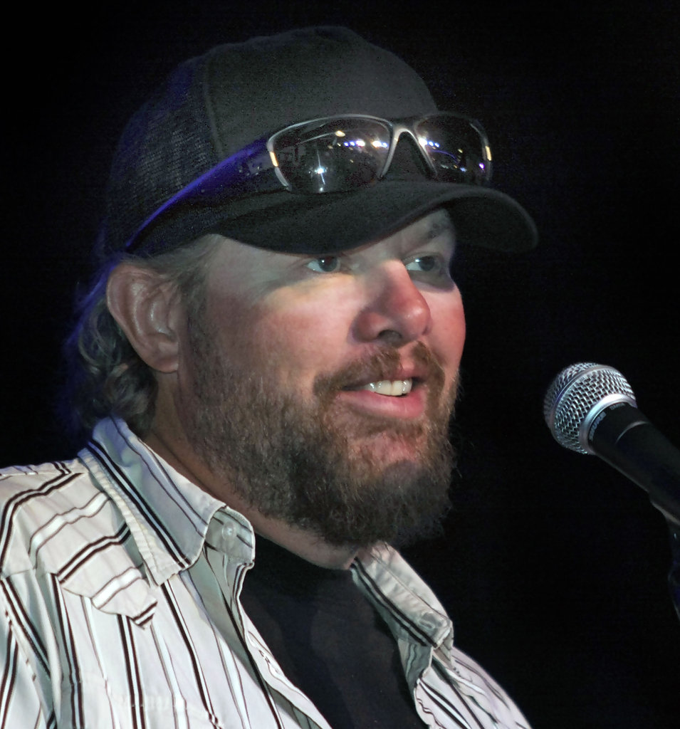 keith new haircut toby keith hairstyle toby keith in grand opening press 2578