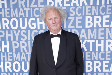 Graydon Carter 2017 Breakthrough Prize - Red Carpet