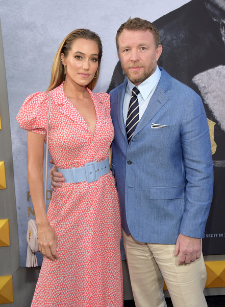http://www1.pictures.zimbio.com/gi/Guy+Ritchie+Premiere+Warner+Bros+Pictures+FzkUqWKE-0Bl.jpg