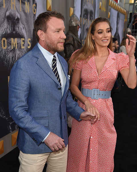 http://www1.pictures.zimbio.com/gi/Guy+Ritchie+Premiere+Warner+Bros+Pictures+Z0YuYEs3LY0l.jpg