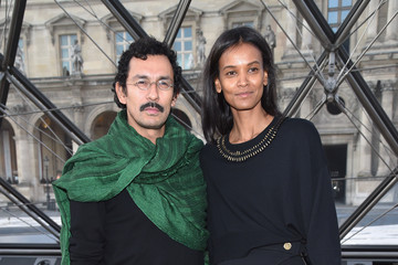Haider Ackermann Louis Vuitton: Front Row  - Paris Fashion Week Womenswear Fall/Winter 2017/2018