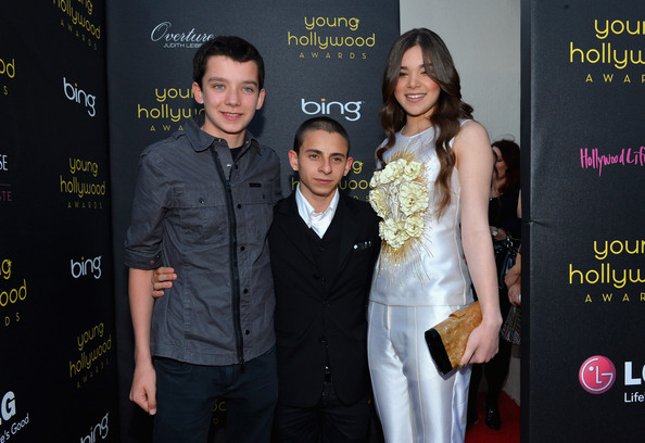 http://www1.pictures.zimbio.com/gi/Hailee+Steinfeld+14th+Annual+Young+Hollywood+nK8KASvSJfvl.jpg
