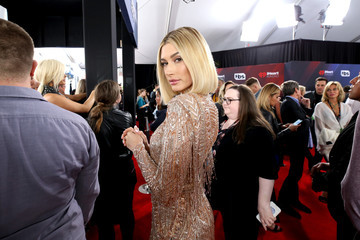 Hailey Baldwin 2018 iHeartRadio Music Awards  - Press Room