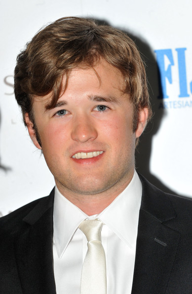 Haley Joel Osment couple
