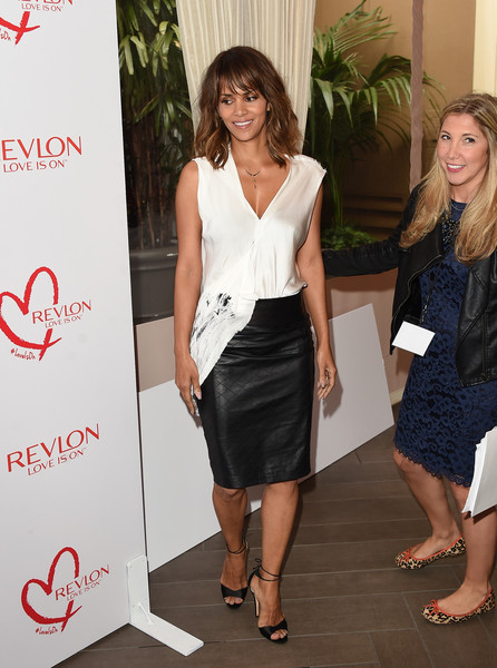 Halle Berry Lunch Celebrates Women Cancer Research - Arrivals [clothing,dress,pencil skirt,fashion,cocktail dress,leg,footwear,long hair,formal wear,event,arrivals,halle berry,women cancer research,los angeles,four seasons hotel,california,beverly hills,halle berry lunch celebrates women cancer research,lunch celebration]