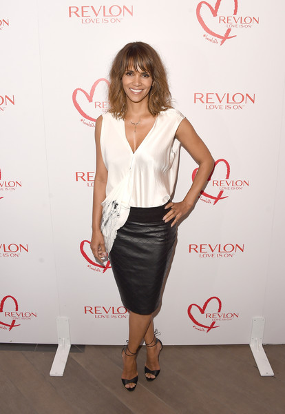 Halle Berry Lunch Celebrates Women Cancer Research - Arrivals [clothing,dress,cocktail dress,fashion,waist,long hair,formal wear,pencil skirt,carpet,style,arrivals,halle berry,women cancer research,los angeles,four seasons hotel,california,beverly hills,halle berry lunch celebrates women cancer research,lunch celebration]