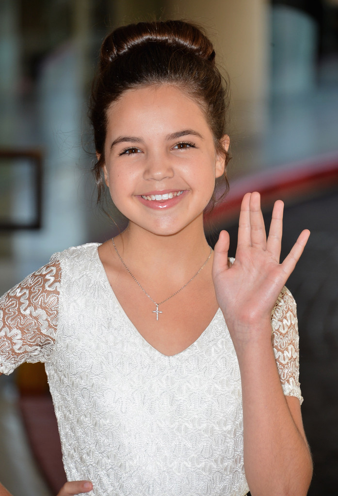 Bailee Madison In Hallmark Channel And Hallmark Movie