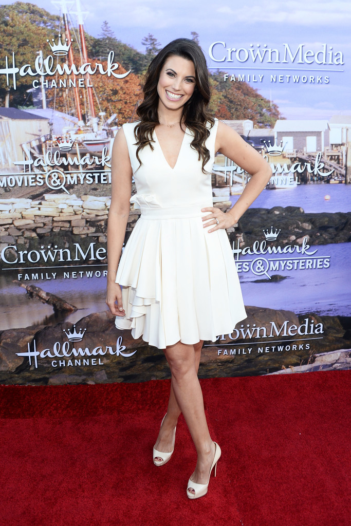 meghan ory photos hallmark channel and hallmark movies and mysteries summer 2016 tca press. Black Bedroom Furniture Sets. Home Design Ideas