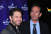 Luke Perry Jason Priestley Photos Photo