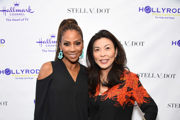 Hannah An Stella & Dot X HollyRod Foundation Charity Trunk Show For Autism Awareness Month