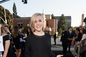 Hannah Hart Premiere Of Warner Bros. Pictures' 'A Star Is Born' - Red Carpet