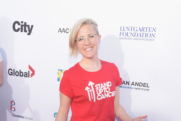 Hannah Hart Stand Up To Cancer Marks 10 Years Of Impact In Cancer Research At Biennial Telecast - Arrivals