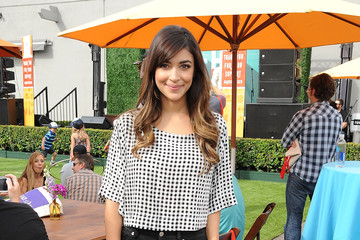 Hannah Simone Elizabeth Glaser Pediatric AIDS Foundation 26th Annual A Time for Heroes Family Festival - Inside