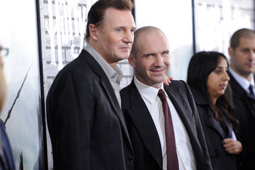 "Ralph Fiennes Liam Neeson ""Harry Potter And The Deathly Hallows: Part 1"" New York Premiere - Inside Arrivals"