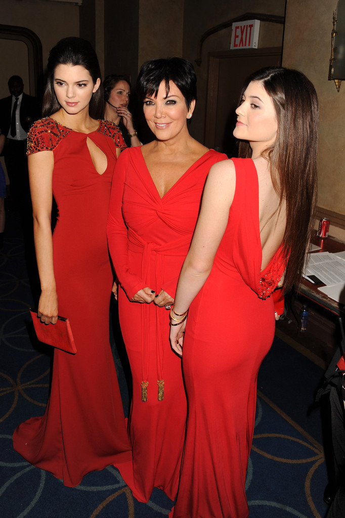 Kris Jenner And Kendall Jenner Photos Photos The Heart Truth 2013 Fashion Show Arrivals Zimbio