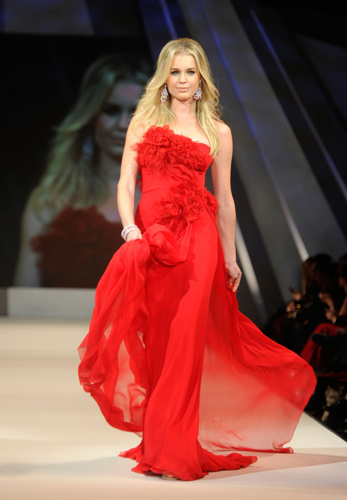 Red Dress Collection Fashion Show: See the Full List of ...