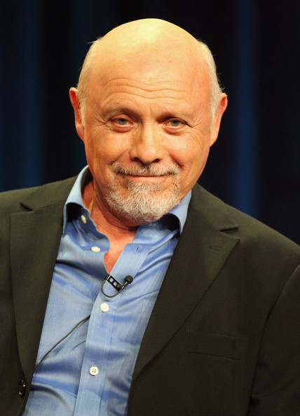Hector Elizondo Net Worth