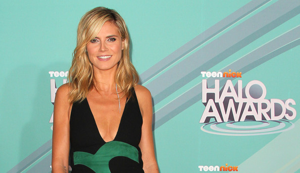 Model/actress Heidi Klum attends the Nickeloden TeenNick HALO Awards at the ...