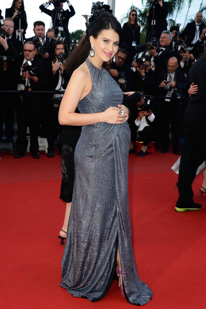 Hilaria Looked Stunning In Her Floor length Pregnant Dress