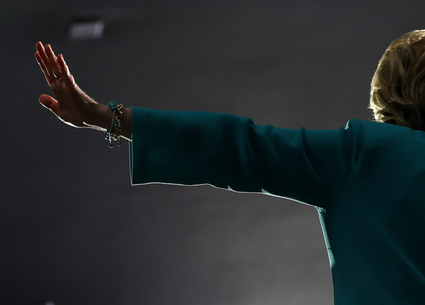 http://www1.pictures.zimbio.com/gi/Hillary+Clinton+Democratic+Presidential+Candidate+TWtwZG4TJ-1l.jpg