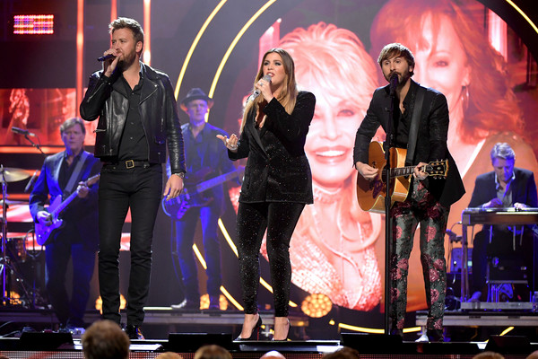 2019 CMT Artist of the Year - Inside