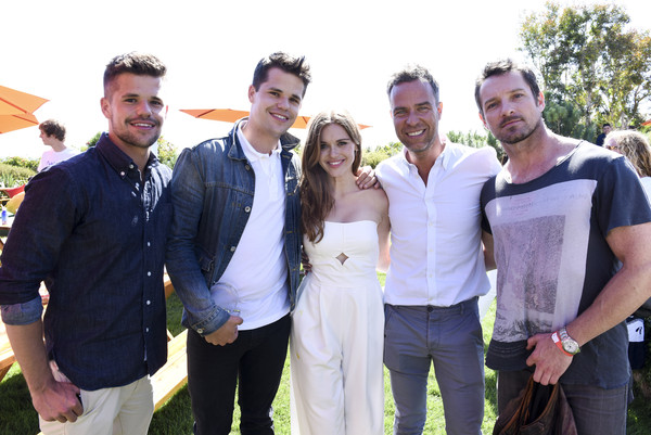 holland roden and ian bohen photos photos children mending hearts 7th annual fundraiser. Black Bedroom Furniture Sets. Home Design Ideas