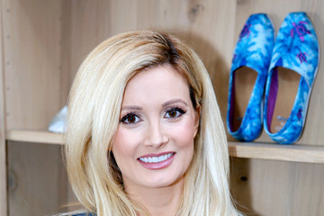 Holly Madison Celebrities Come Out To Support The TOMS x Oceana Partnership