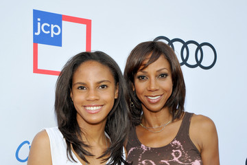 Holly Robinson Peete Ryan Elizabeth Peete 1st Annual Children Mending Hearts Style Sunday - Red Carpet