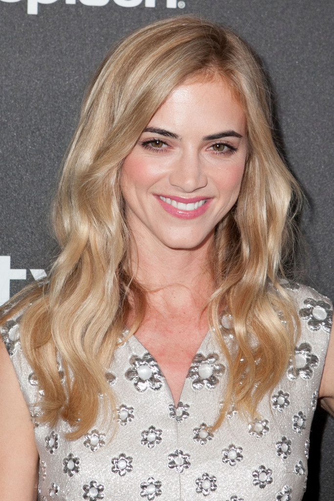 Emily wickersham in golden globe awards season celebration - Emily wickersham gardener of eden ...