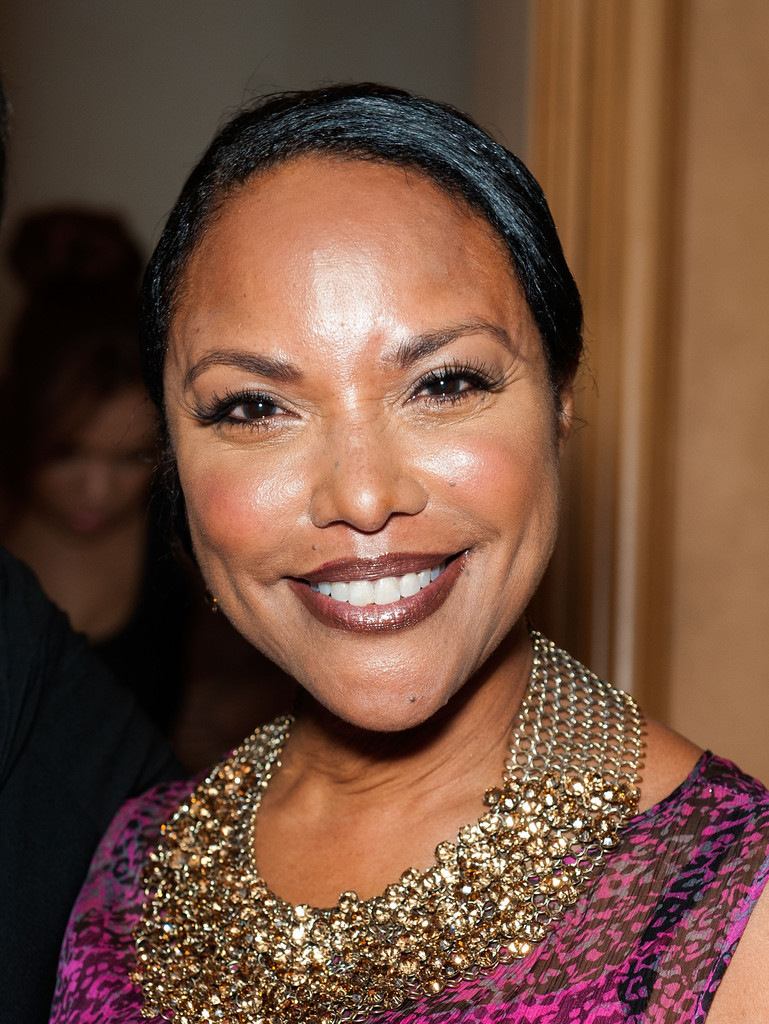 Lynn whitfield and angela bassett