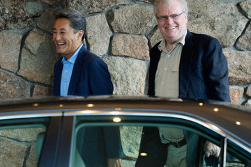 Howard Stringer Kazuo Hirai Business Leaders Meet in Sun Valley for Conference