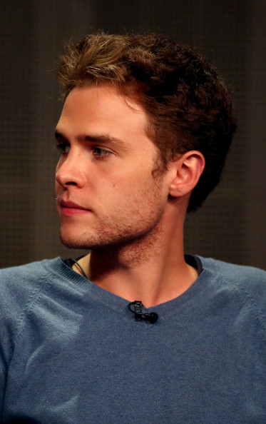 iain de caestecker net worth