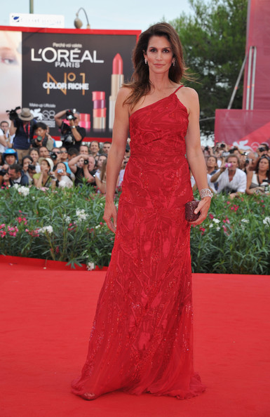 "Model Cindy Crawford attends ""The Ides Of March"" premiere during the 68th Venice Film Festival at the Palazzo del Cinema on August 31, 2011 in Venice, Italy."