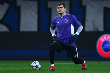 Iker Casillas FC Porto v Leicester City FC - UEFA Champions League