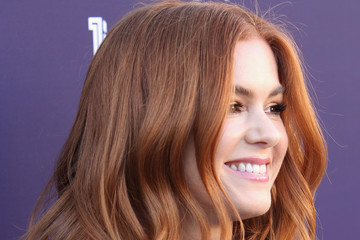 Isla Fisher The Hollywood Reporter's 2017 Women in Entertainment Breakfast - Red Carpet