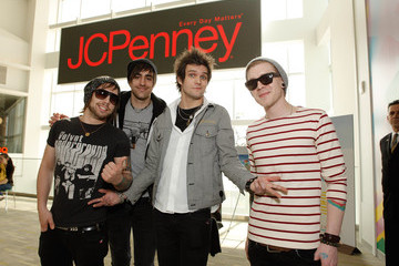"""John Keefe JCPenney and Seventeen Present the """"Ultimate Prom"""" Event"""