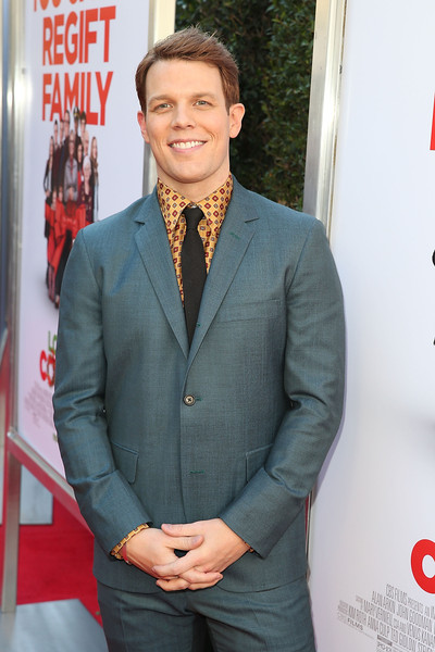 jake lacy love the coopers