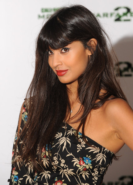 Jameela Jamil Calls For Body Confidence Education To Be On: Call Of Duty: Modern Warfare 2