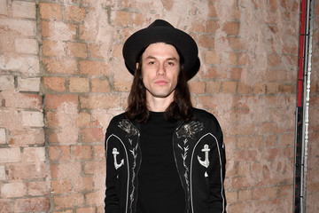 James Bay Celebrities & Front Row - Day 1 - LFW Men's January 2017