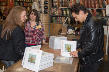 James Franco James Franco Signs His Art Project 'Magic Mountain/Home Movies'