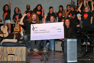 James Shaffer Little Kids Rock and KoRn Guitarist Munky Celebrate $1.2 Million of Donations from Hot Topic Foundation with Massive School Instrument Delivery